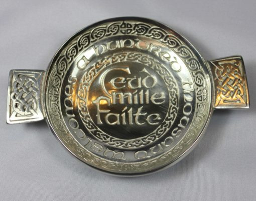 https://www.onemoregift.co.uk/product/Pewter-Toasting-Quaich -Ceud Mille Failte-A hundred Thousand Welcomes